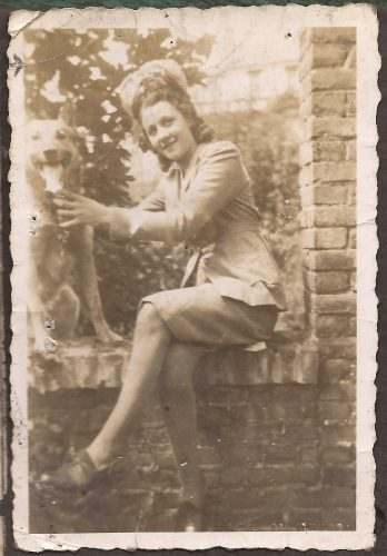 """N061 - Written on back: """"Souvenir 31-8-44 Micheline Amiens - Anon. collection"""