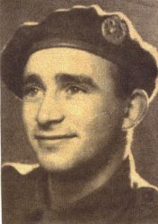 Cpl. Don Gillate wearing khaki beret (introduced in 1942) - Cpl. Gillate coll.