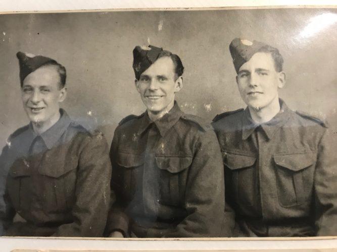 N001 - ??, Albert Lee, ??, England, ca. 1942 - Lee collection