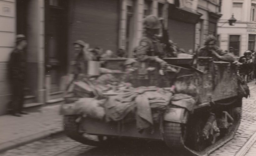 8th Rifle Brigade carrier near corner Pothoekstraat-Boerhavestraat - editor's collection