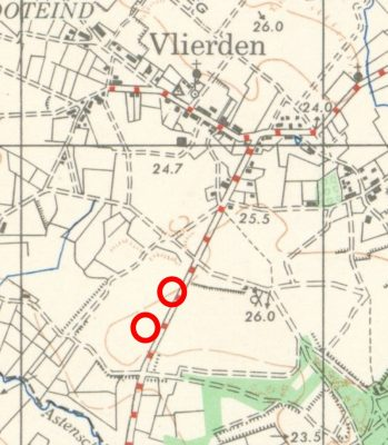 Original burial locations of Rfn. Barnes and Cpl. Birleson (upper circle) and of Sgt. Hone and Cpl. Clark (lower circle, both of 15 Pn. and both killed on 24 September).
