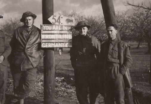 Riflemen near Gunhof, Holland, late November 1944 - Sgt. Fruin coll.