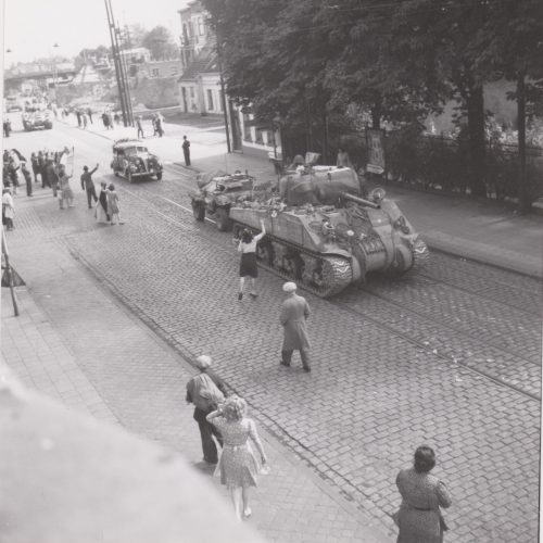 23rd Hussars Sherman en route for Antwerp, Antwerpsestraat, Mortsel - Harkness collection