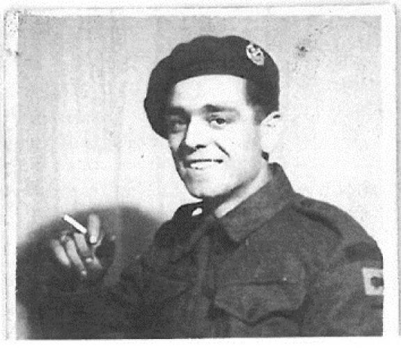 N051 - Unknown member of E Coy, believed also in photos N048 to N050 - Rfn. Batkin collection